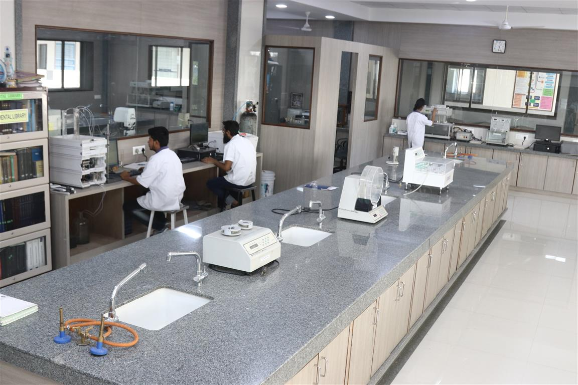 pharmaceutics lab (15)