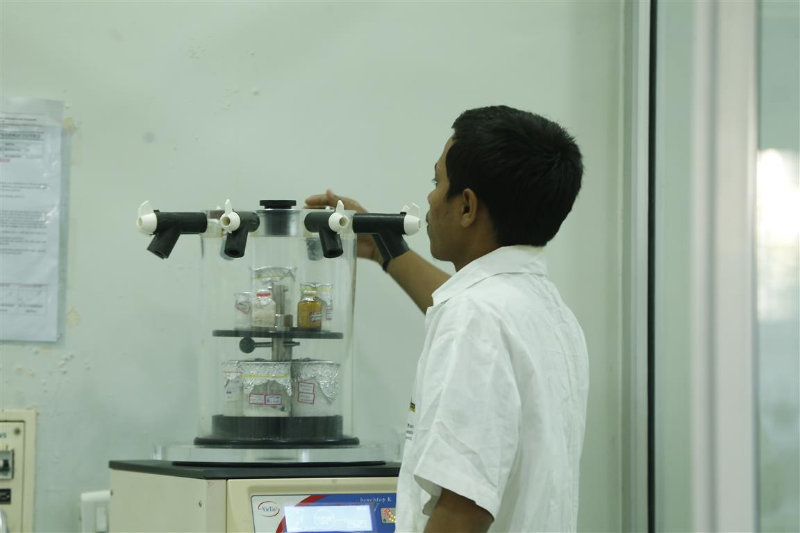 pharmaceutics lab (7)