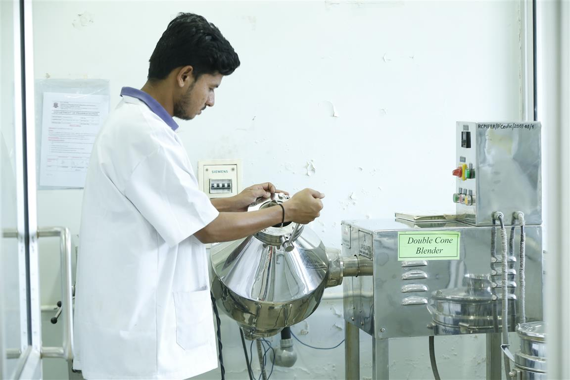 pharmaceutics lab (9)